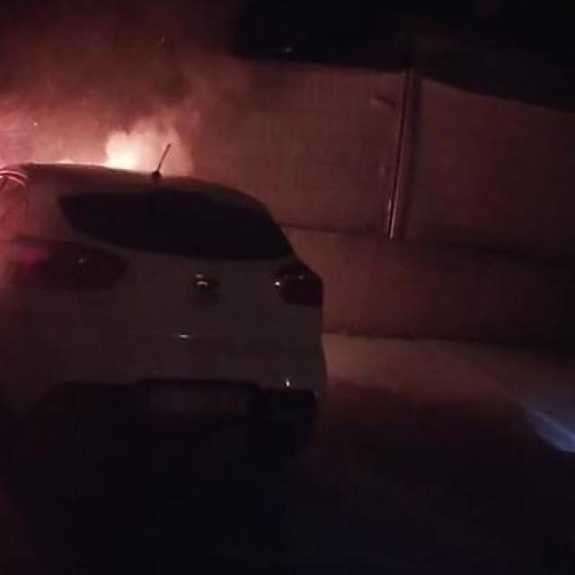 Požar automobila na Trešnjevci