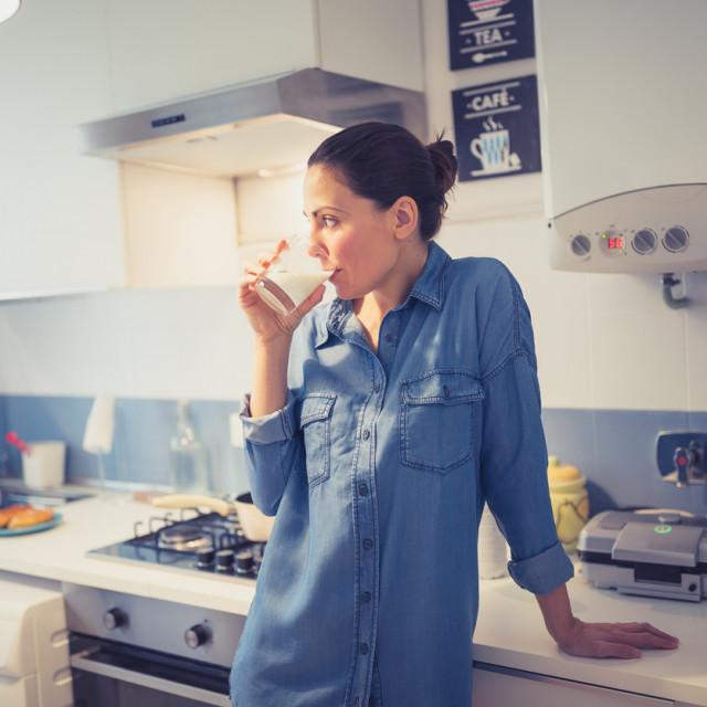 Jedan od razloga zbog kojih mnogi posežu za sojinim mlijekom jest i to što ono snižava kolesterol