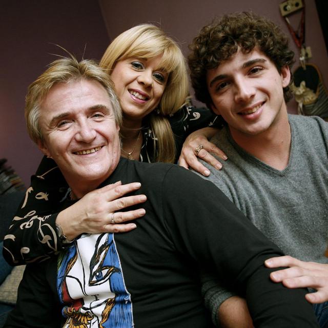 Rajko Dujmić sa suprugom Snježanom i sinom Tinom