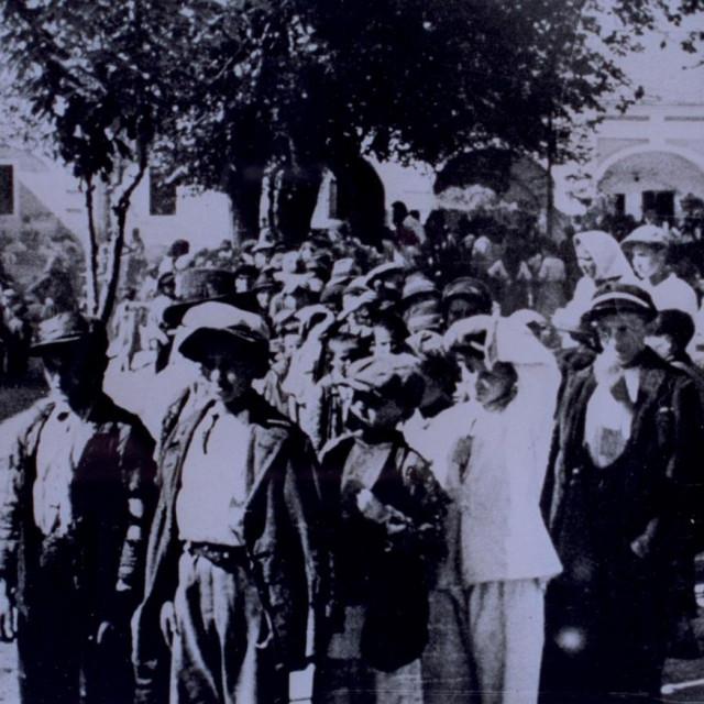 Prizor iz logora Stara Gradiška (1942.), koji je bio dio koncentracijskog logora Jasenovac