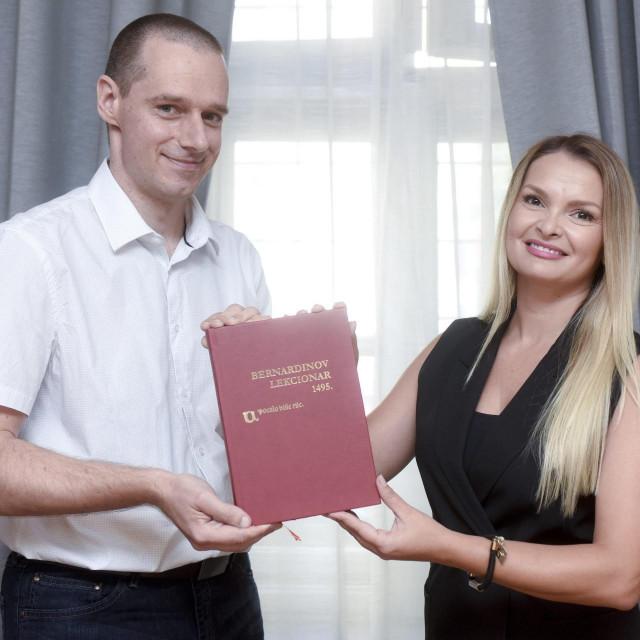 Znanstvenici Vuk Tadija Barbarić i Kristina Štrkalj Despot pripremili su i ostvarili tiskanje novog izdanja knjige Lekcionar Bernadin Splićanina.<br />
