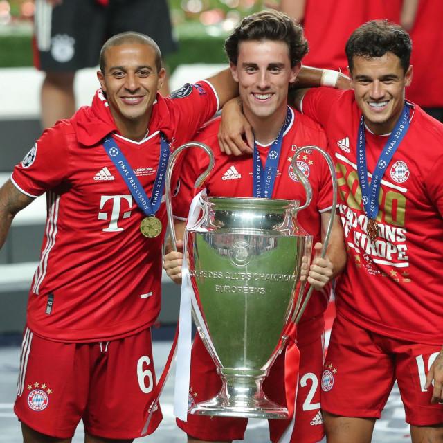 Thiago (prvi lijevo) slavi naslov Lige prvaka s Bayernom