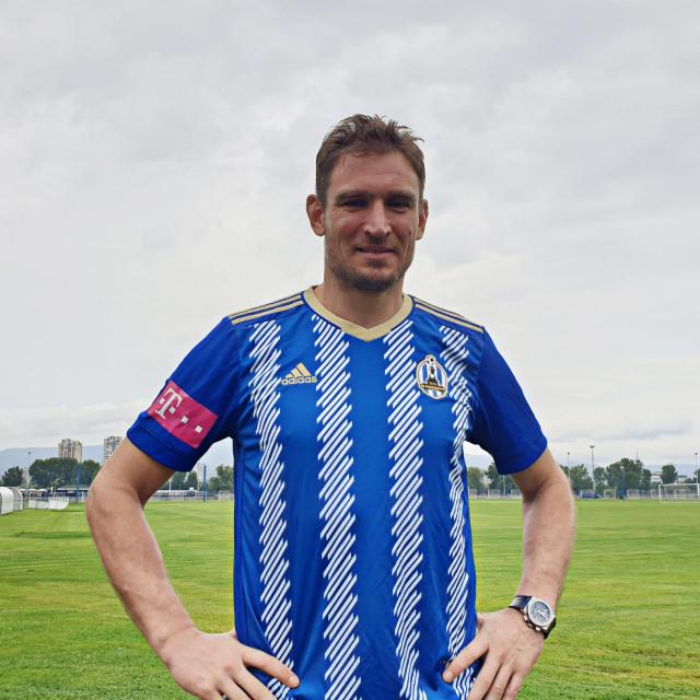 Nikica Jelavić u dresu Lokomotive