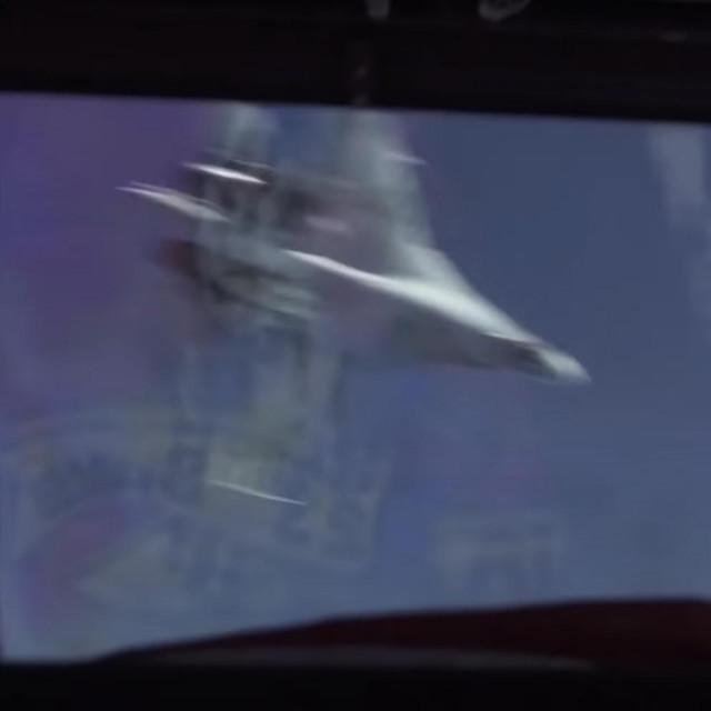 Ruski Su-27 u preletu