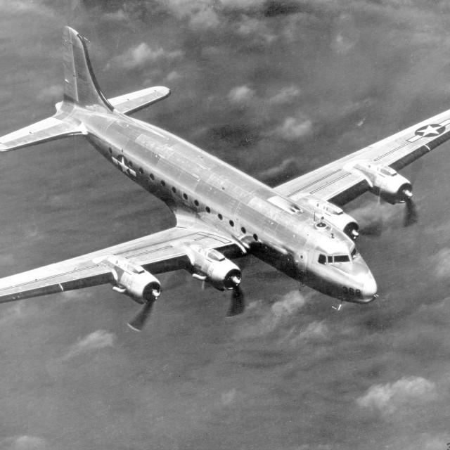 Avion Douglas C-54 Skymaster, arhivska fotografija