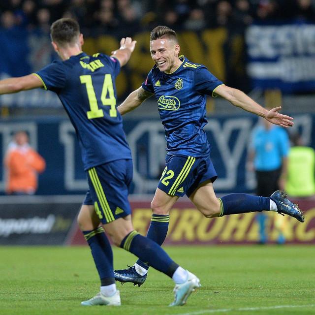 Damian Kadzior (desno) slavi gol<br />