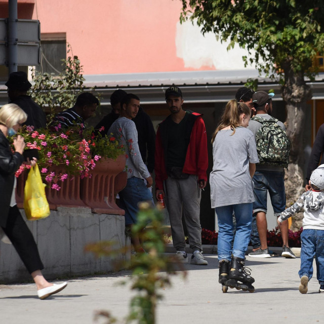 Migranti u centru Kladuše