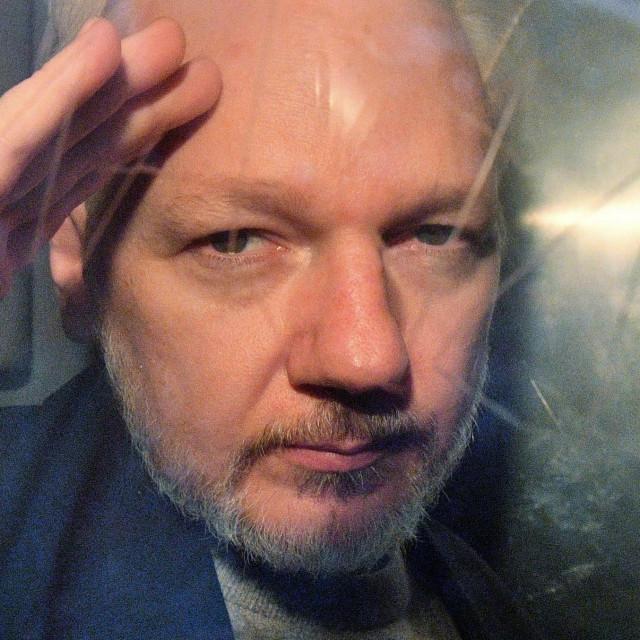 Julian Assange (arhiva)