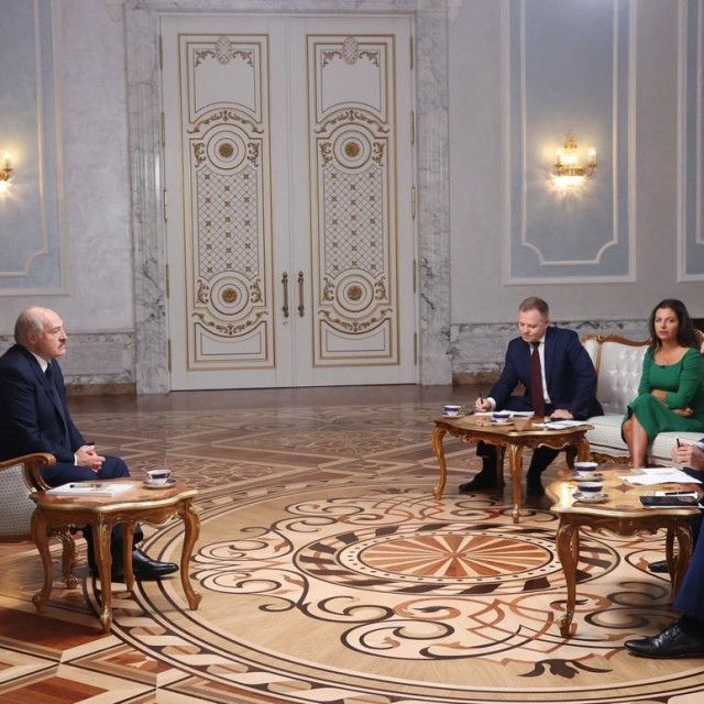 Aleksander Lukašenko s ruskim novinarima
