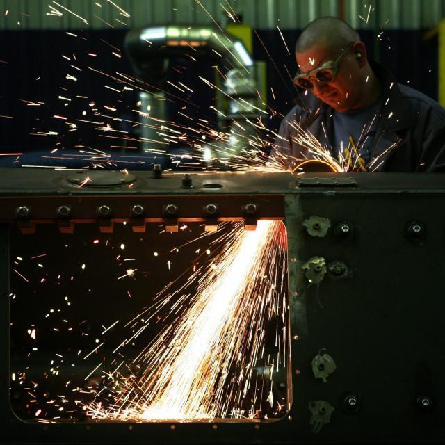 Radnik u tvornici Đuro Đaković grupe