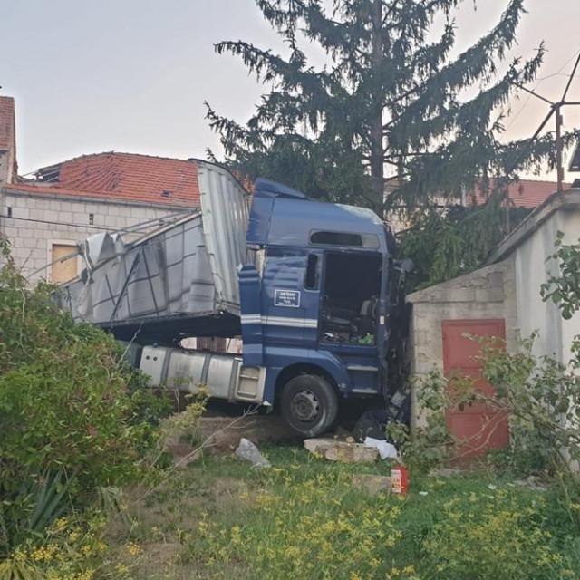 Prometna nesreća u Lovreću