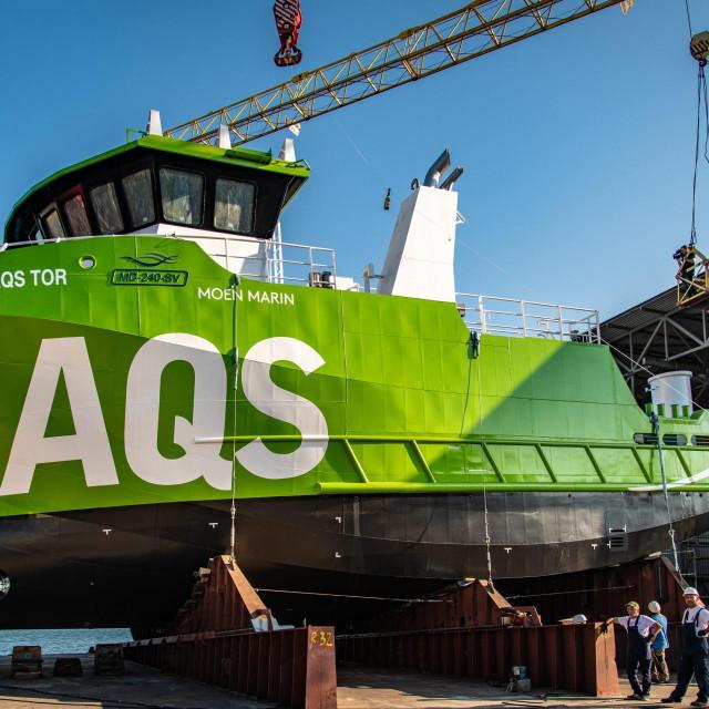 U pulskom brodogradilištu Tehnomont održano je svečano bočno porinuće broda GR 114 građenog za norveškog naručitelja Moen Marin. Radni brod GR 114 građen je sedmi u seriji, ali je najkompleksniji do sada te ima 24 metra. Namijenjen je za norveška ribogojilišta.