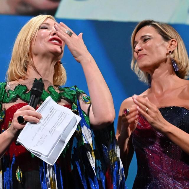 Predsjednica žirija Cate Blanchett i talijanska glumica Anna Foglietta