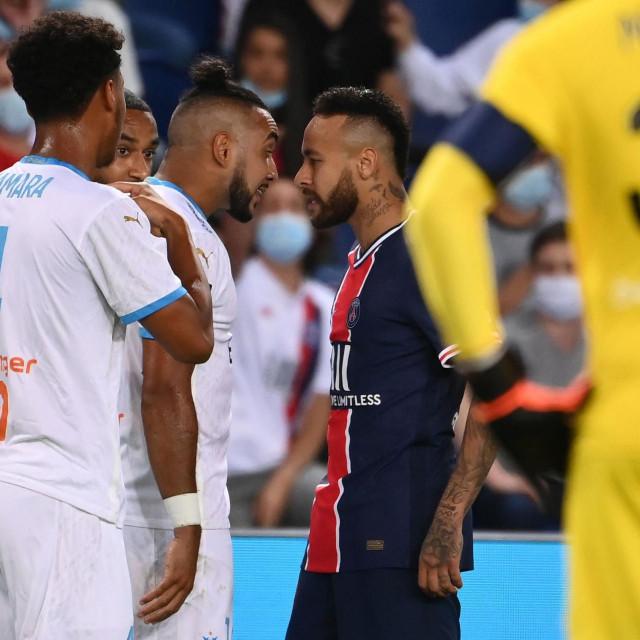 Nervozni Neymar u svađi s Payetom
