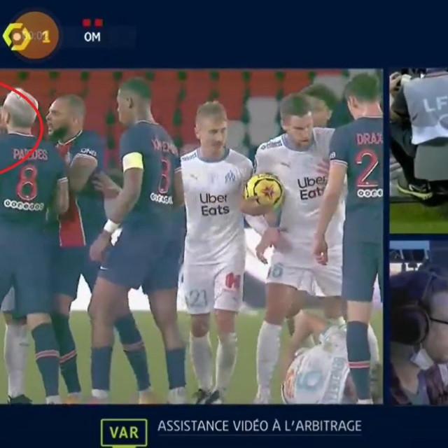 Neymarovo udaranje za crveni karton
