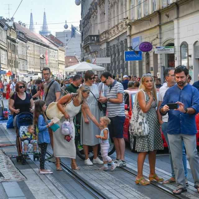 Projekt Ilica Art održan je u Ilici.<br /> Umjetnost voli građane projekt:<br /> lica: razni preformansi, izložbe i druženja po Ilici
