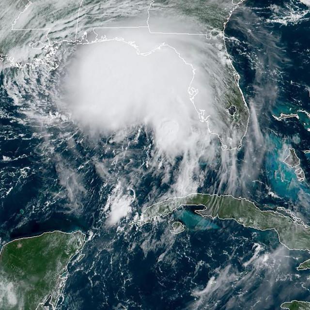 Satelitska snimka uragana Sally