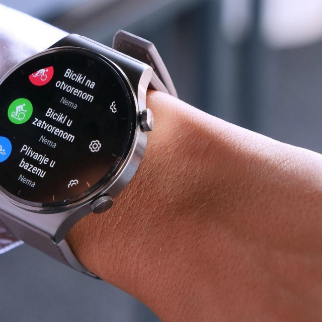 Na satu Watch GT 2 Pro dostupna su kućišta od titanija i keramike te safirno staklo
