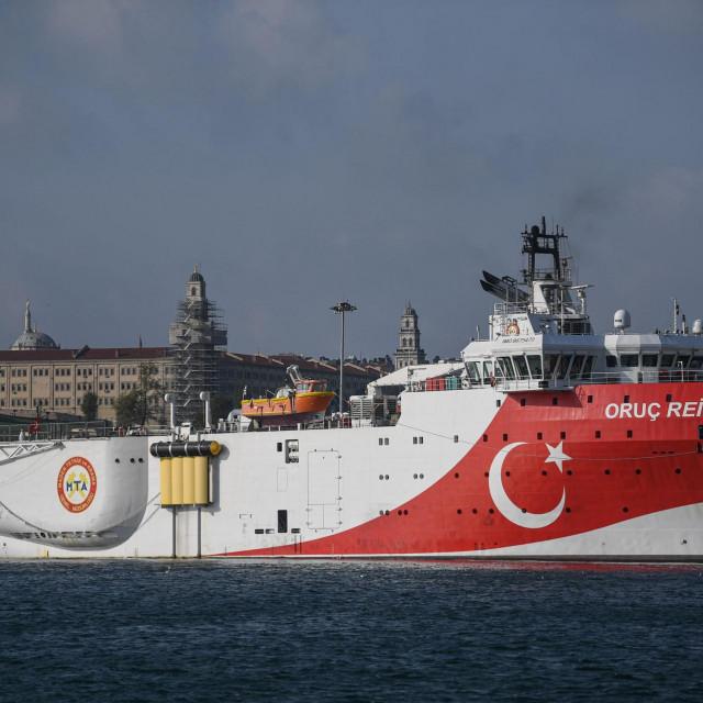 Brod Oruc Reis