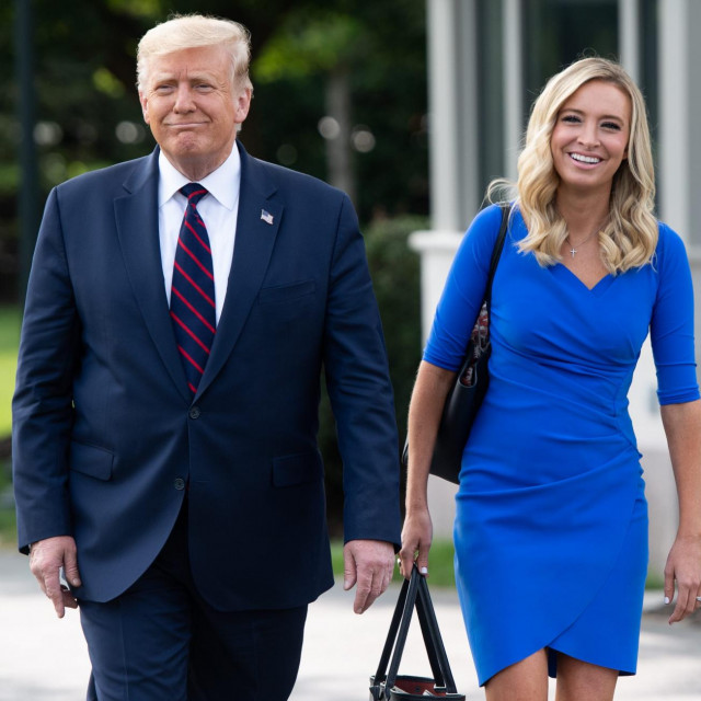 Donald Trump i Kayleigh McEnany