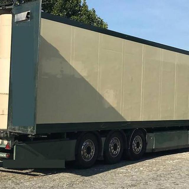 Kamion u kojemu su bili migranti