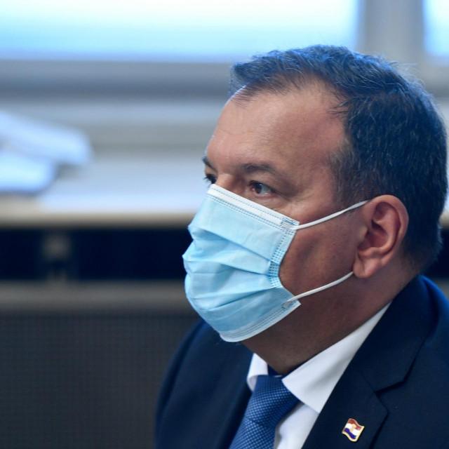 Vili Beroš, ministar zdravlja