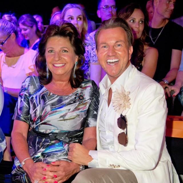 Babette Albrecht s partneron Sandrom Rathom na modnoj reviji u Duesseldorfu