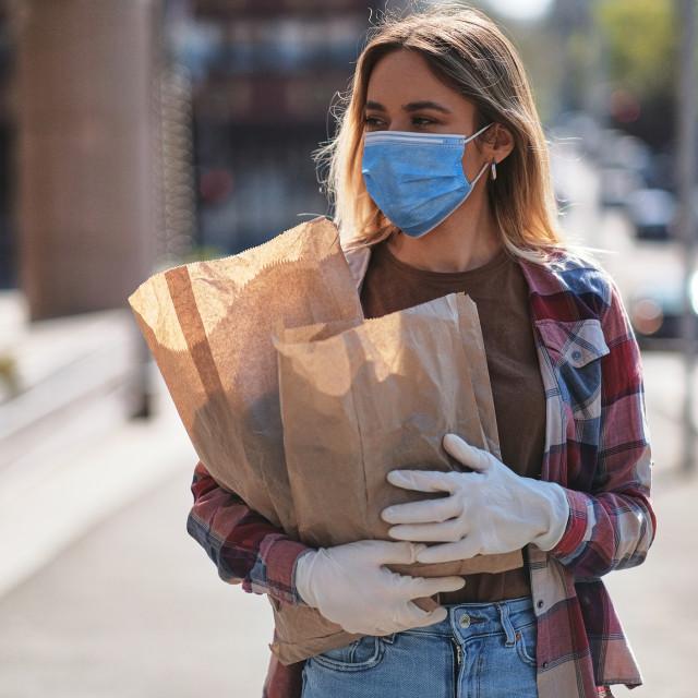 Prisustvo virusa može se detektirati i pažljivim praćenjem simptoma