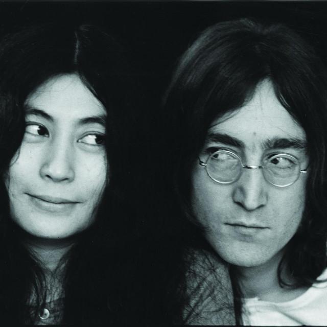 Yoko Ono i John Lennon snimljen u prosincu 1968.