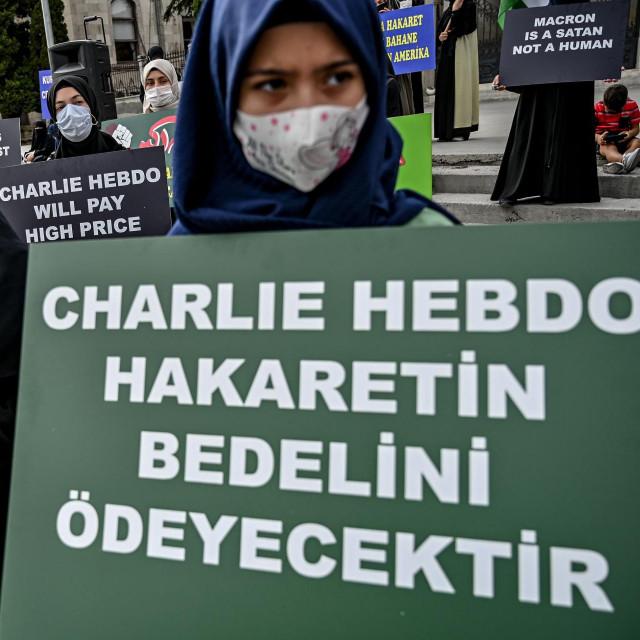 Nedavno se i u Istanbulu prosvjedovalo zbog ponovnog objavljivanja karikatureproroka Muhameda