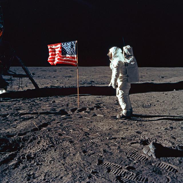 Astronaut NASA-e na Mjesecu