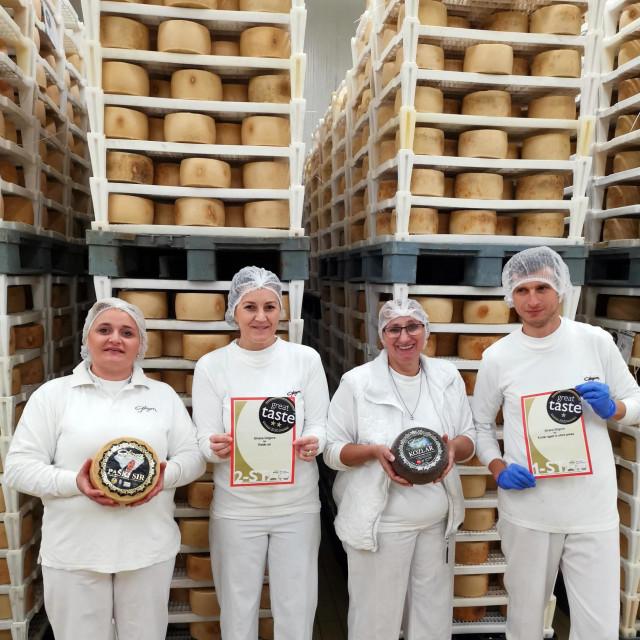nagradeni sirevi sirane gligora