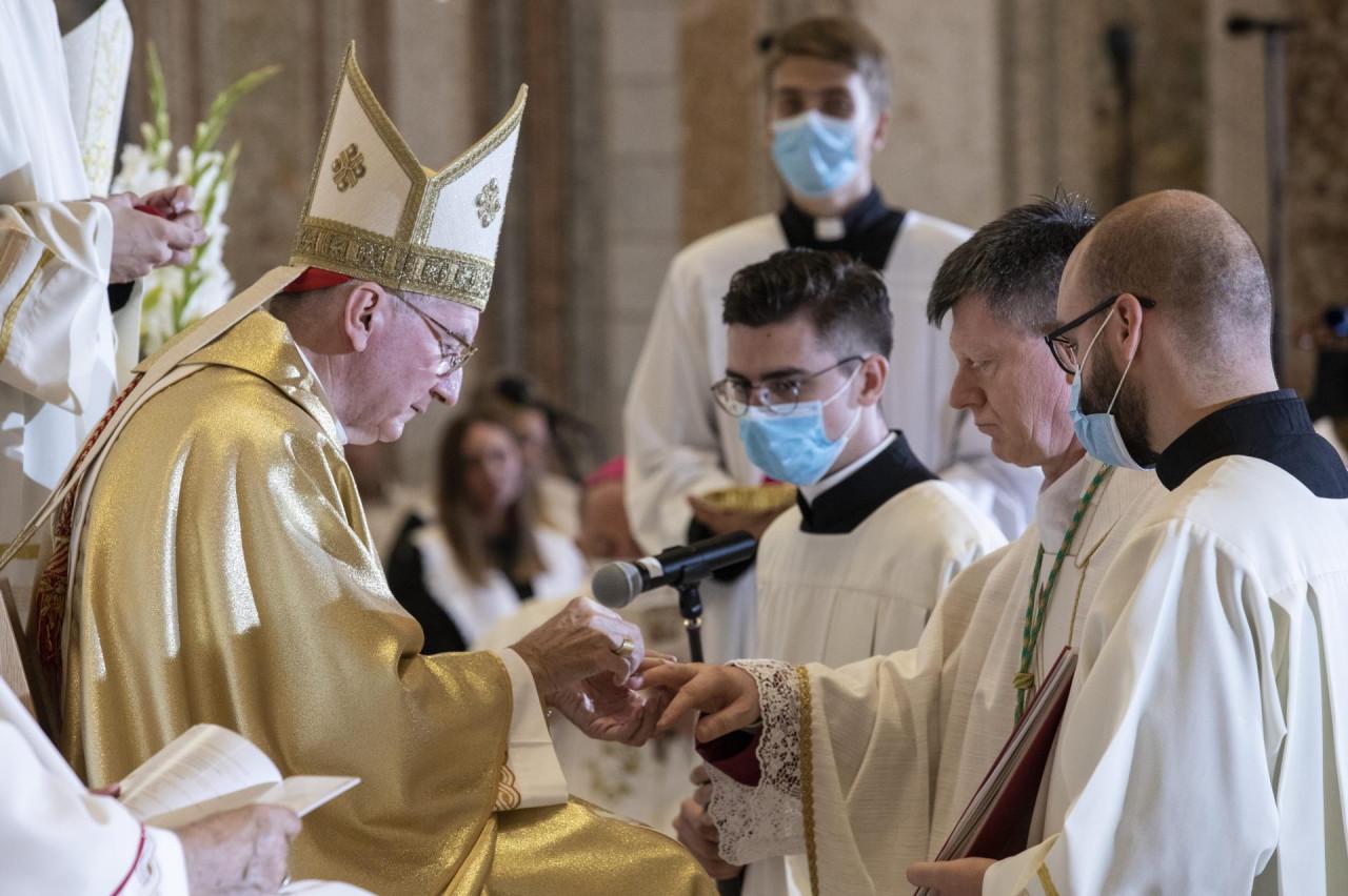 NIŠTA OD KANONIZACIJE ALOJZIJA STEPINCA?! Vatikan poručio da kardinal Stepinac neće biti proglašen svetim bez saglasnosti SPC-a, crkveni krugovi u Zagrebu ogorčeni!