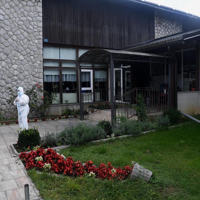 Dom za straije osobe u Delnicama u kojem je došlo do proboja koronavirusa