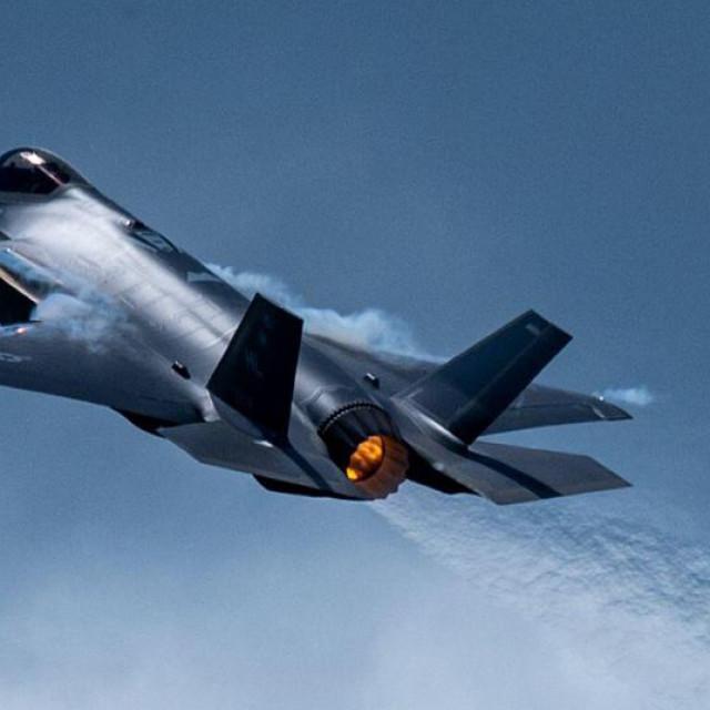 Borbeni avion pete generacije F-35A
