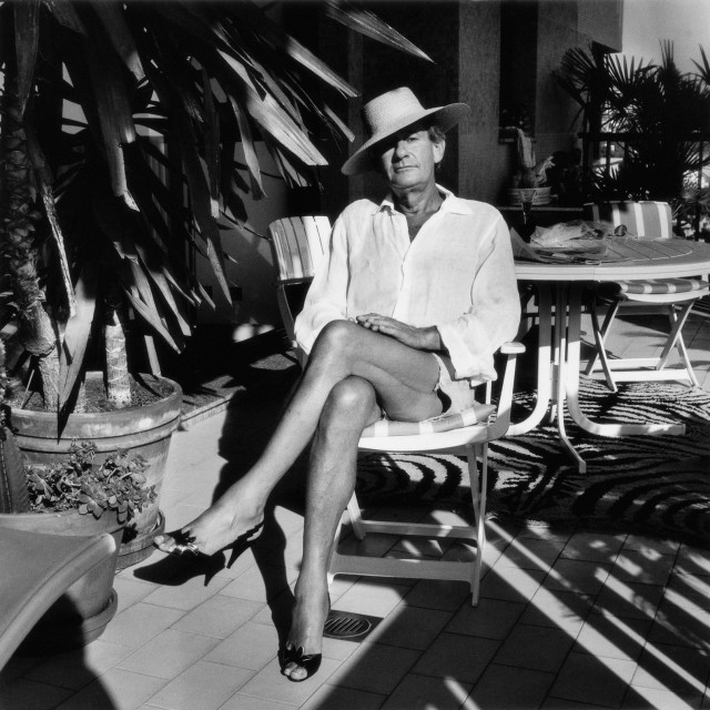 HELMUT-NEWTON_002_Helmut-at-home,-Monte-Carlo,-1987-(c)-Foto-Alice-Springs,-Helmut-Newton-Estate-Courtesy-Helmut-Newton-Foundation