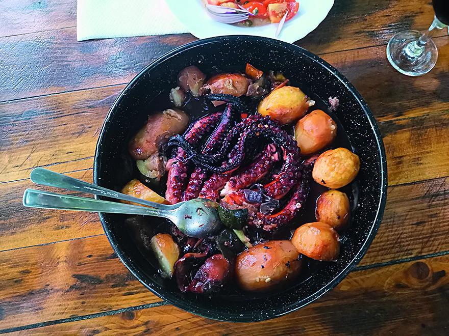hobotnica s patatama