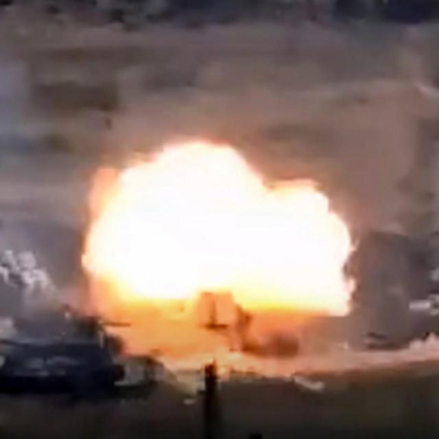 Unišavanje vojnih vozila Azerbajdžana