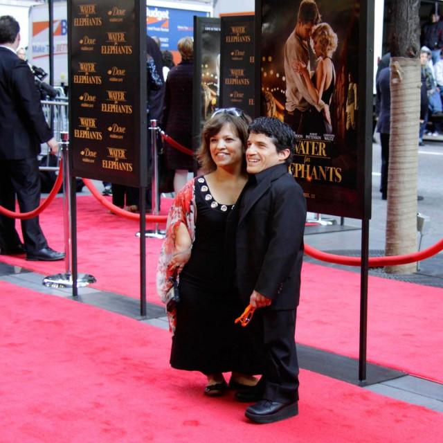 Glumac Mark Povinelli sa suprugom