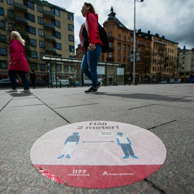 Upozorenje o važnosti održavanja distance u Stockholmu