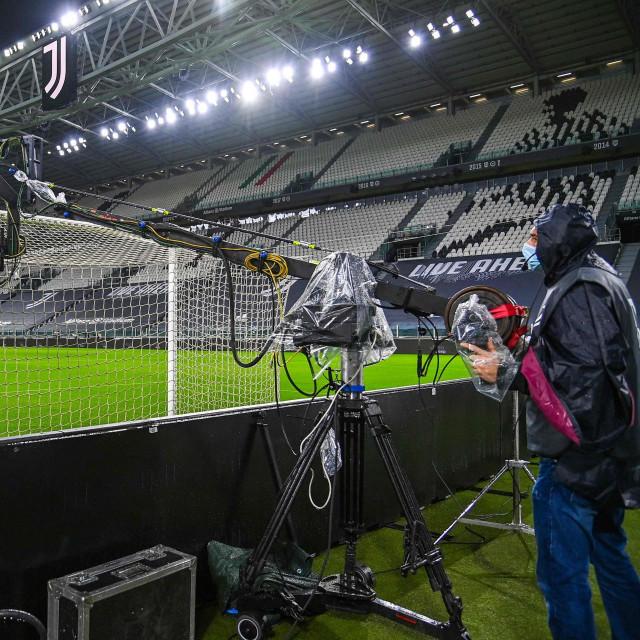 Sve je bilo spremno za početak derbija Juventusa i Napolija, ali se gosti u Torinu jednostavno nisu pojavili