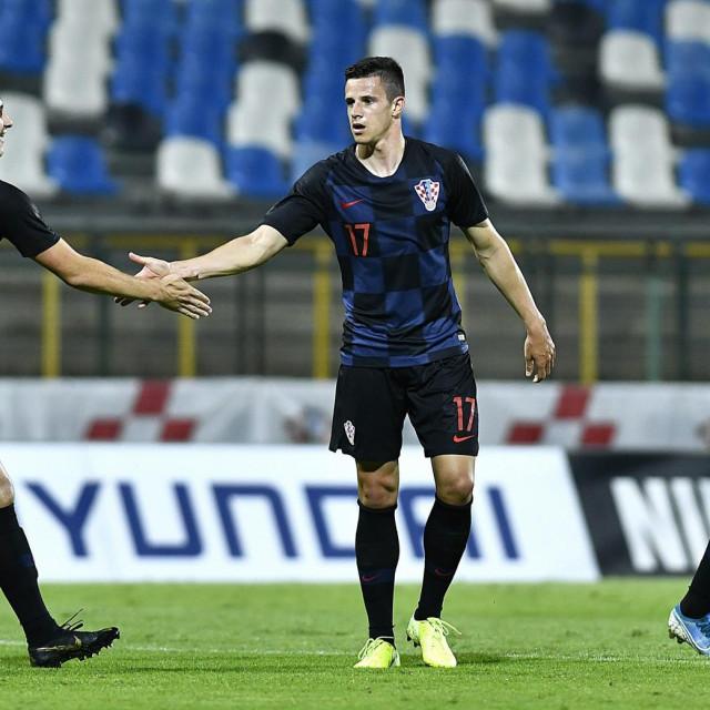 Kristijan Bistrović (u sredini)