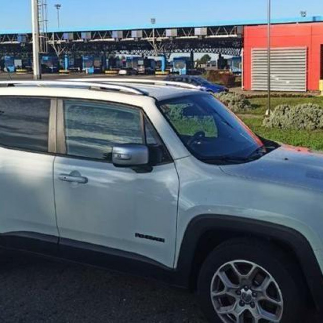 Ukradeni Jeep Renegade