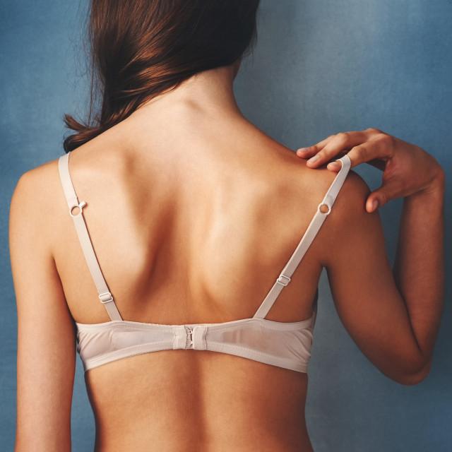 Na svakom području tkiva dojke potrebno je učiniti tri kružna pokreta, svaki različitog intenziteta