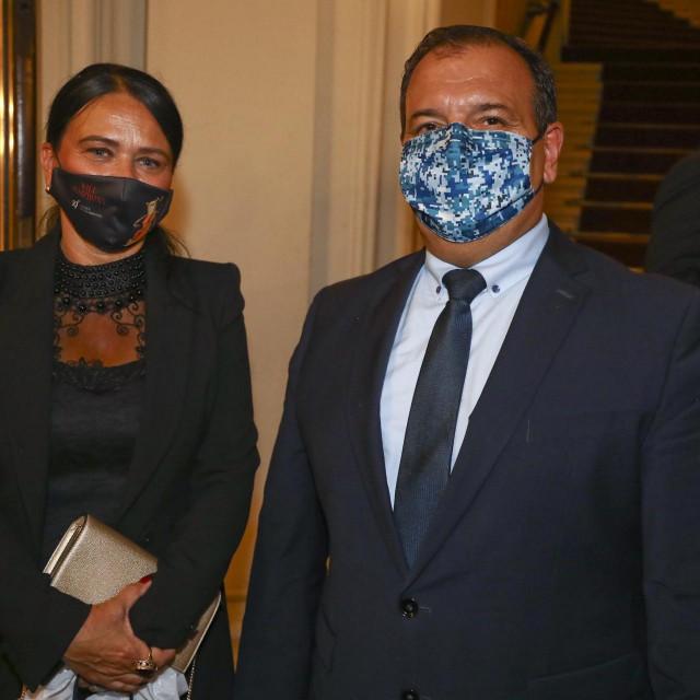 Ministar zdravstva u izlasku sa suprugom