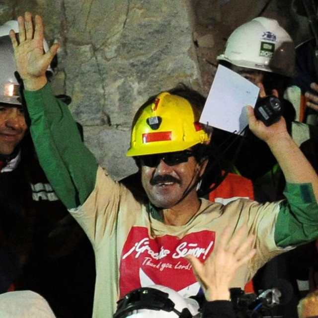 rudar Juan Illanes snimljen nakon spašavanja 2010. godine