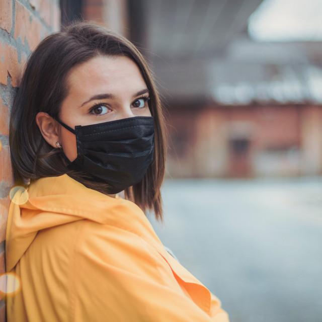 Simptomi prehlade u pravilu su blaži od simptoma gripe i pojavljuju se postupno