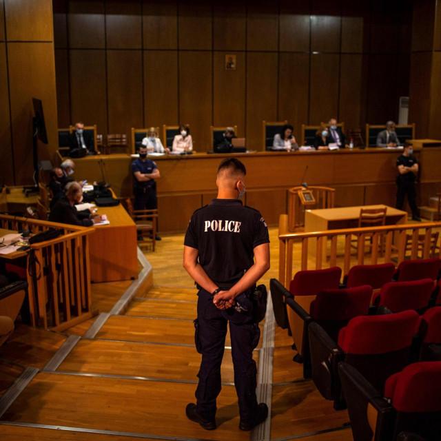 Izricanje presude članovima Zlatne zore u Ateni