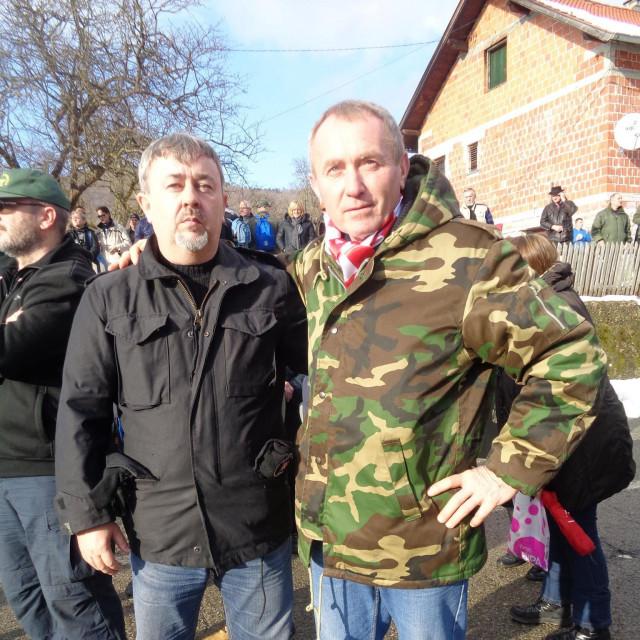 Đuro Čehulić (desno) s Damirom Markušem, dogradonačelnikom Kutine, prijateljem Danijela Bezuka