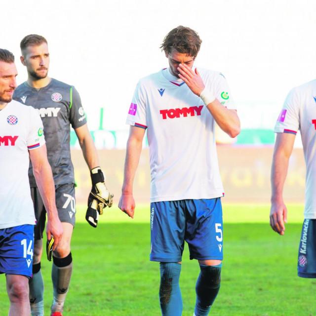 Igrači Hajduka nakon poraza od Šibenika na Poljudu
